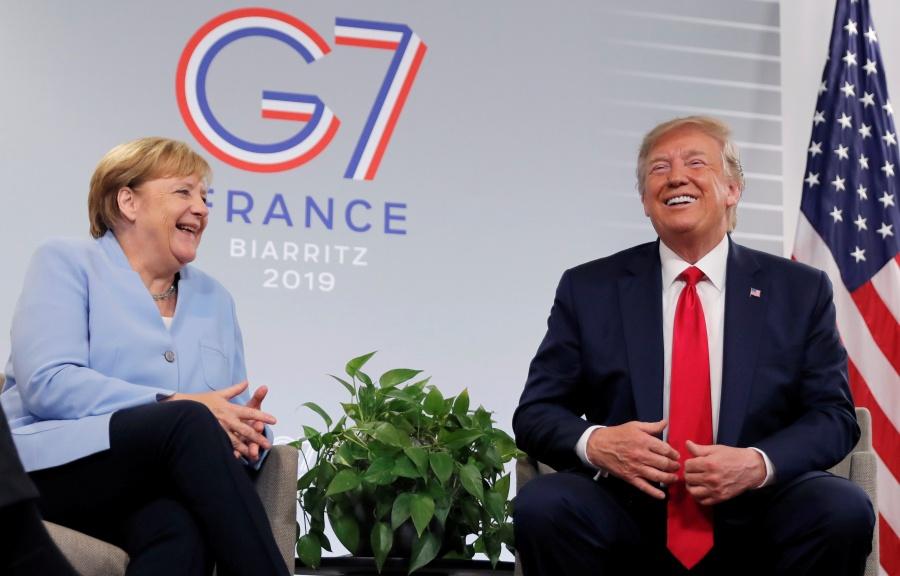 Trump dice que lleva a Alemania en la sangre y Merkel se mofa