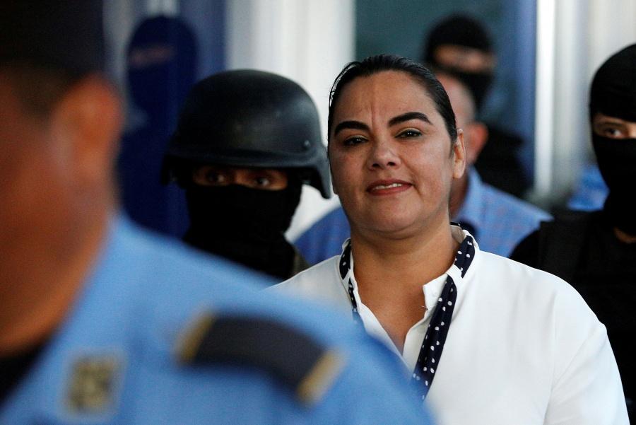 Fiscalía pide 77 años de prisión contra exprimera dama de Honduras