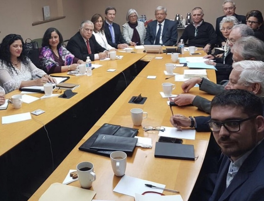 Previo al primer Informe de Gobierno, AMLO se reúne con el gabinete