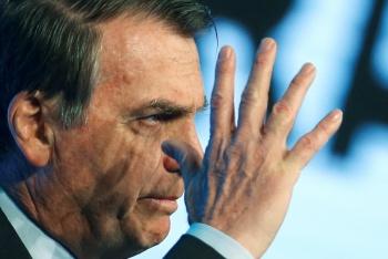 """Rechaza Bolsonaro ayuda del G7 para Amazonia por """"insultos"""" de Macron"""