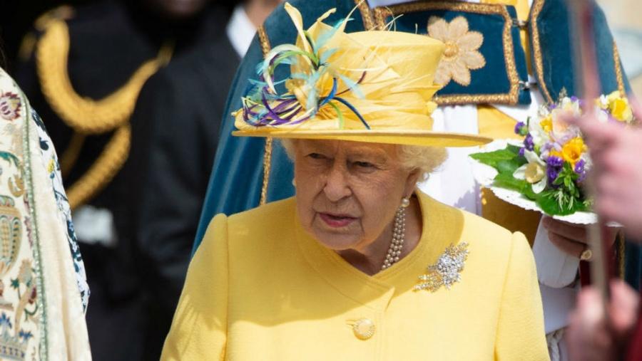 Isabel II acuerda suspensión de Parlamento solicitada por Johnson