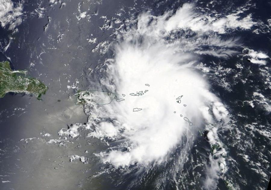 Dorian cerca de convertirse en huracán categoría 4