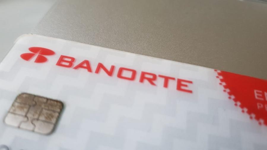 Reportan usuarios fallas en los sistemas de Banorte y BBVA México