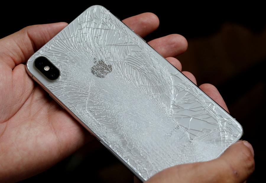 Apple permitirá a negocios independientes reparar iPhones con piezas originales