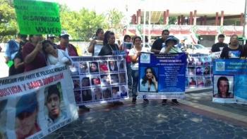 Madres de personas desaparecidas marchan en Poza Rica