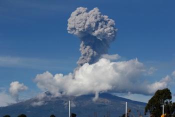 Popocatépetl registra explosión y lanza columna de ceniza de 2 km
