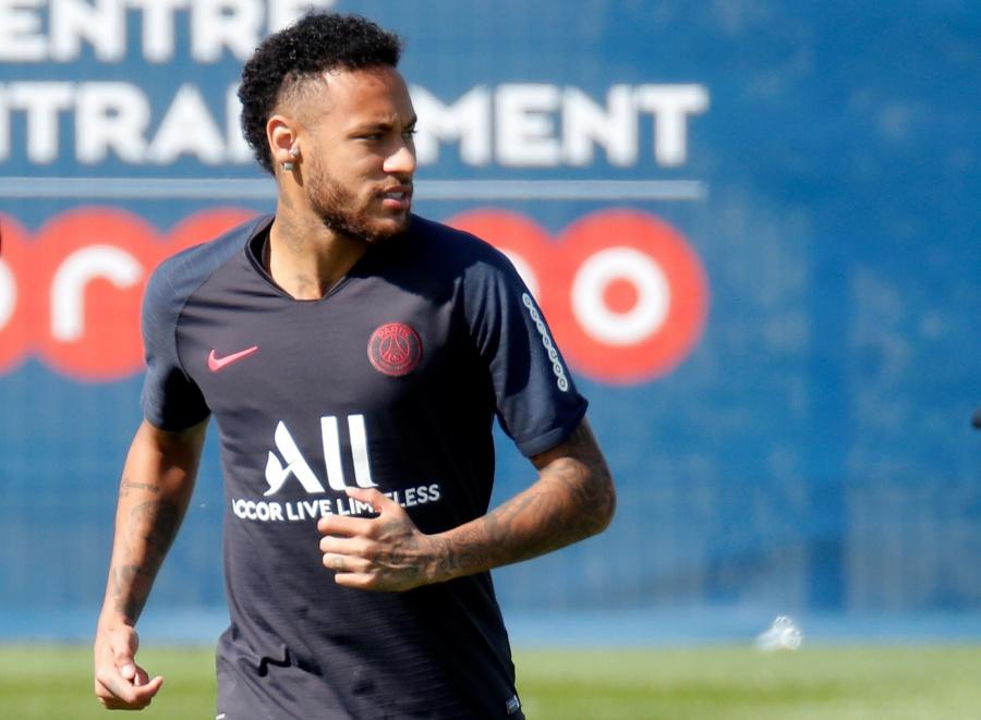 Le Parisien relata el no fichaje de Neymar por el Barcelona
