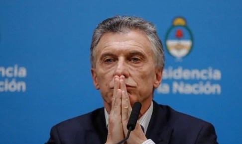 Macri impone corralito a los empresarios