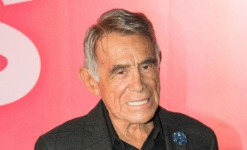 Reportan estable tras operación al actor Héctor Suárez