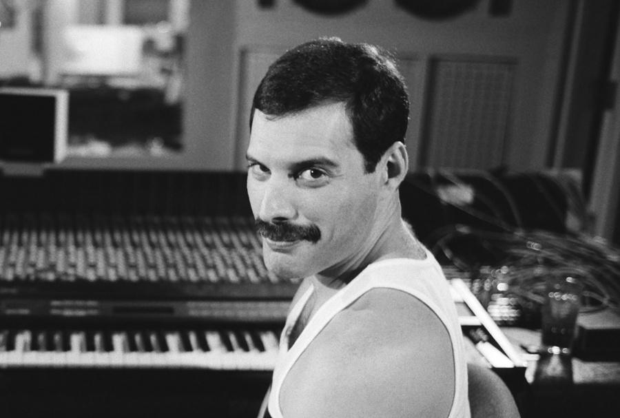 En el cumpleaños de Freddie Mercury, animación busca generar conciencia sobre el VIH