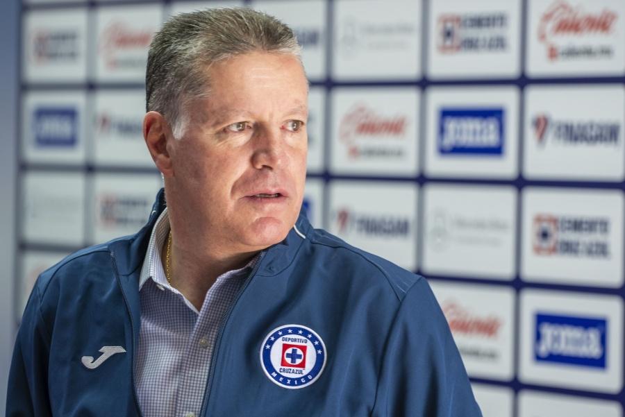 Peláez saldría de Cruz Azul por no producirse la llegada de Mohamed