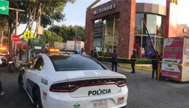 Un muerto y un herido por balacera en McDonalds de Marina Nacional