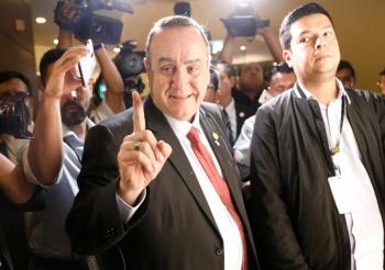 Presidente electo de Guatemala, en desacuerdo con pacto de
