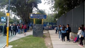 Liberan acceso a estudiantes en Facultad de Ciencias Políticas de UNAM
