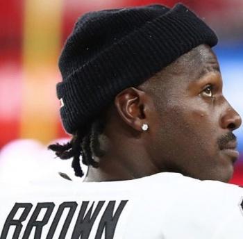 Antonio Brown pide a los Raiders su salida del equipo