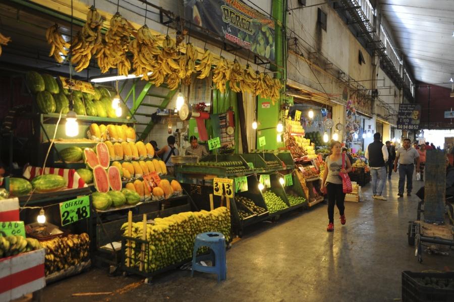 Comerciantes piden a AMLO rescate de la Central de Abasto