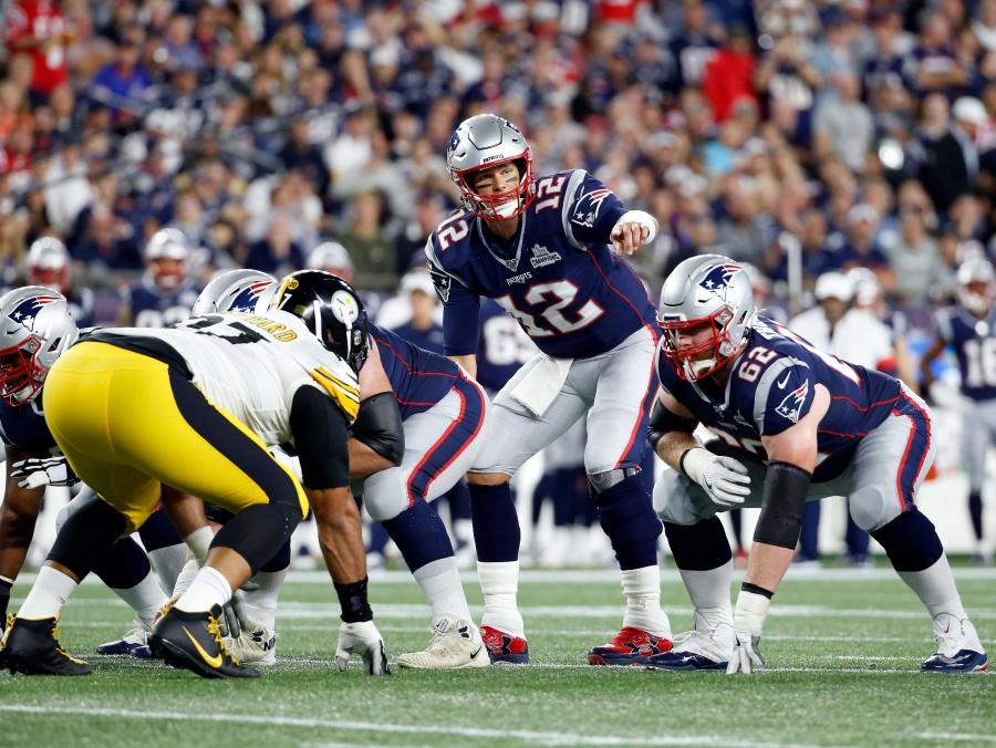 Patriots aplasta a Steelers en inicio de temporada NFL