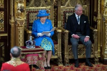 La Reina Isabel aprueba la ley para evitar Brexit sin acuerdo