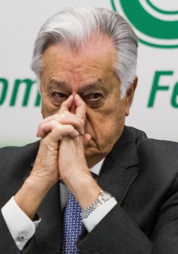 Piden a la SFP investigar señalamientos sobre fortuna de Manuel Barttlet