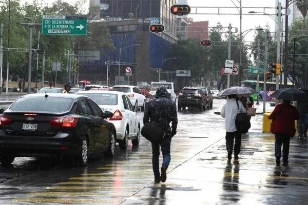 Alerta Amarilla en ocho alcaldías e inundaciones en varios puntos de CDMX por fuertes lluvias