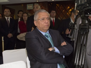Rechaza juez desbloquear cuentas de Ramón Sosamontes