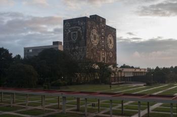 Estudiantes de la Facultad de Ciencias Políticas de la UNAM decretan paro activo
