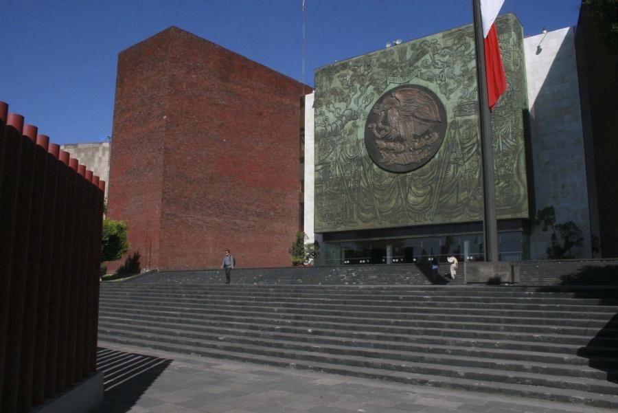 Persiste plantón de la CNTE en las afueras de la Cámara de Diputados