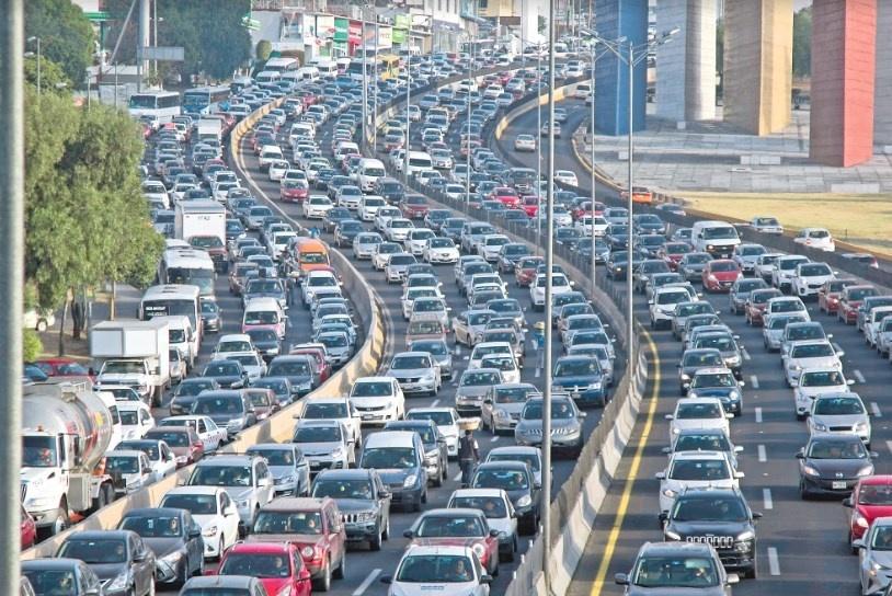 Se pierden 94 mil mdp anuales en el tráfico
