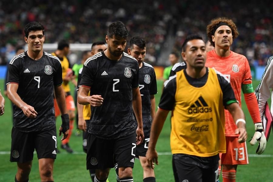 Jugadores del Tri llegan a México sin dar declaraciones