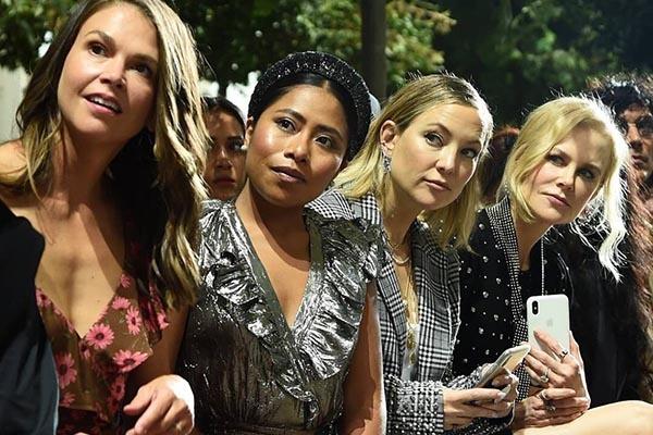 Yalitza Aparicio aparece en el Fashion Week con Kate Hudson, Nicole Kidman y Sutton Foster