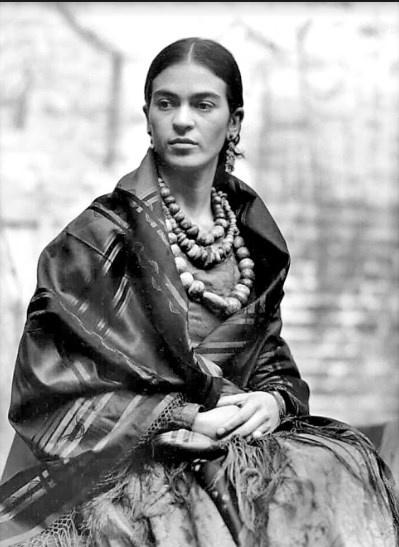 Foto de Frida a los 23 años se oferta en 20 mil pesos