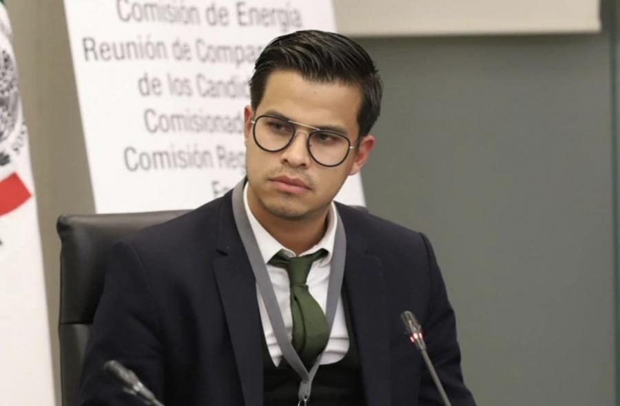 """Por cuarta ocasión """"bajan"""" a ayudante de AMLO para ocupar un cargo en el sector energético"""