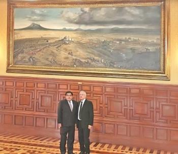 Obrador y Barbosa se reúnen en CDMX