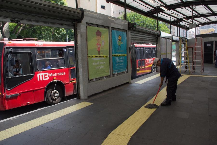 Por manifestación, suspenden servicio en estación Terminal 1 del Metrobús