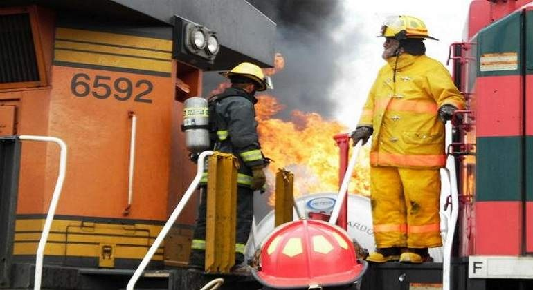 Se registra un incendio en edificio en la colonia Escandón