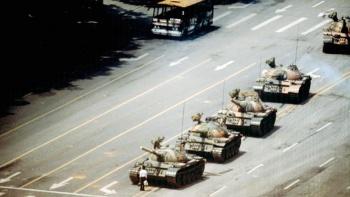 """Muere Charlie Cole, fotógrafo de """"Hombre del tanque"""""""
