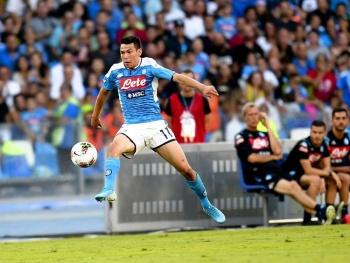 """El """"Chucky"""" Lozano se luce durante el triunfo del Napoli"""