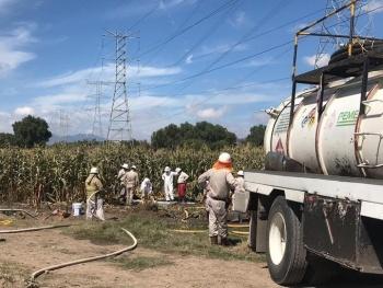 Pemex controla fuga de combustible en Acolman
