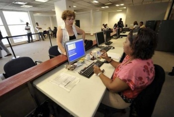 Reducirán espacio físico de burócratas en oficinas públicas