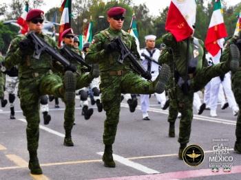 López Obrador encabezará el Desfile Militar 2019