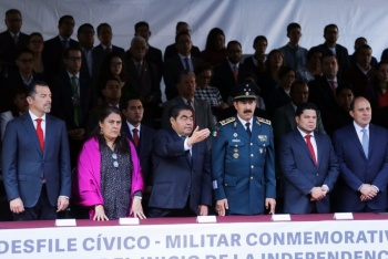 Barbosa Huerta preside ceremonia de Independencia en Puebla