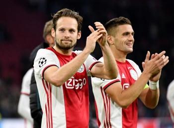 Con gol de Edson Álvarez, el Ajax debuta con victoria frente al Lille