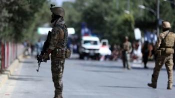 Doble atentado durante mitin de presidente deja 30 muertos en Afganistán