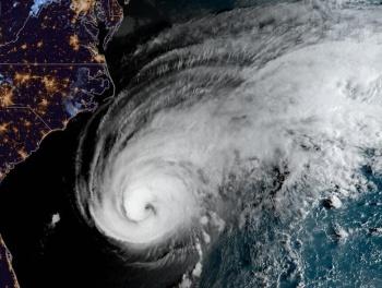Huracán Humberto alcanza categoría 2 en su camino a Bermuda