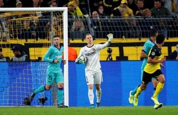 Ter Stegen salva al Barcelona de los embates del Borussia Dortmund