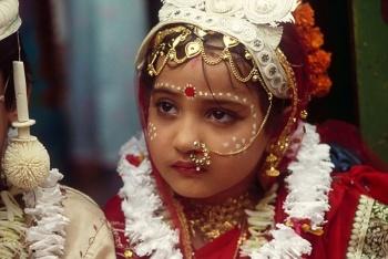 Indonesia aumenta edad legal a mujeres para el matrimonio