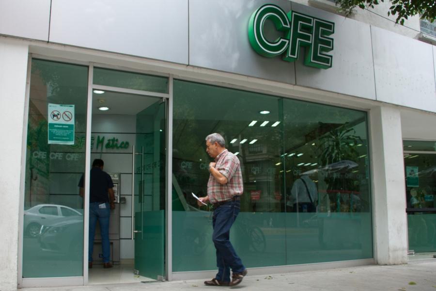 """CFE se alista ante posible contingencia por paso de """"Lorena"""""""