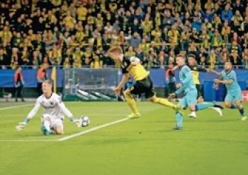 Ter Stegen ataja el empate para el Barca en Alemania