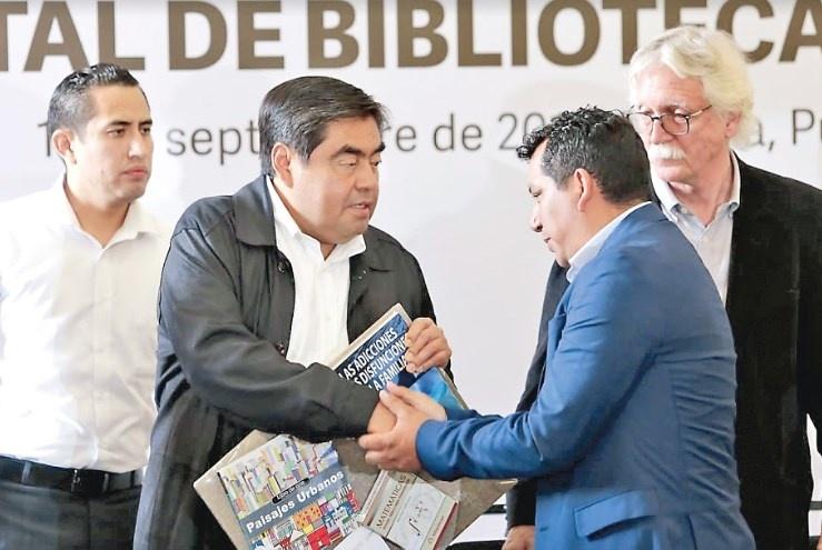 Barbosa impulsa lectura en Puebla