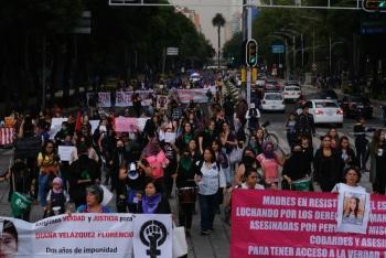 """""""Terremoto Feminista"""" marcha en contra de la violencia de género en la CDMX"""